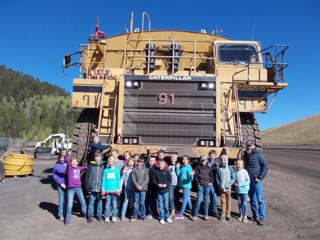 Jeff Whitney's class on their fieldtrip to Smokey Canyon Mine